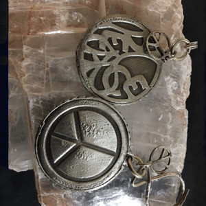 PEWTER PEACE KEYCHAIN